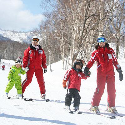 幼児スキーレッスン4日間
